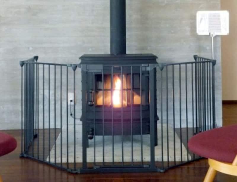 ペレットストーブは木質バイオマスであるペレットを燃料とした地球にやさしい暖房器具です