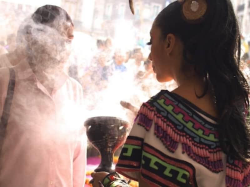 コパルの煙は、お清めやお祓いに使われる