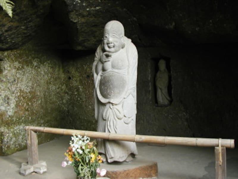 浄智寺境内の布袋尊