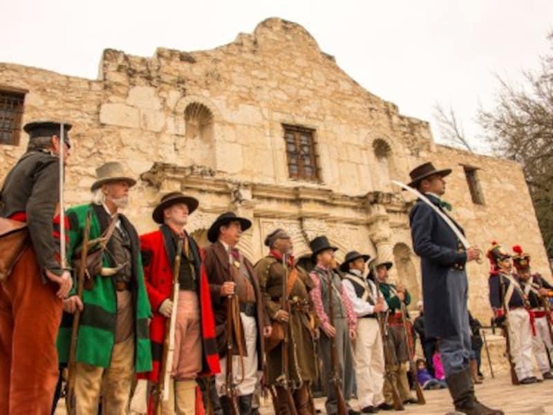 アメリカで最も人気のある観光スポットの1つ、アラモ砦