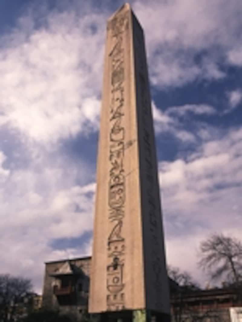 エジプトの世界遺産「古代都市テーベとその墓地遺跡」登録のカルナック神殿から持ち込まれたテオドシウス1世のオベリスク©牧哲雄