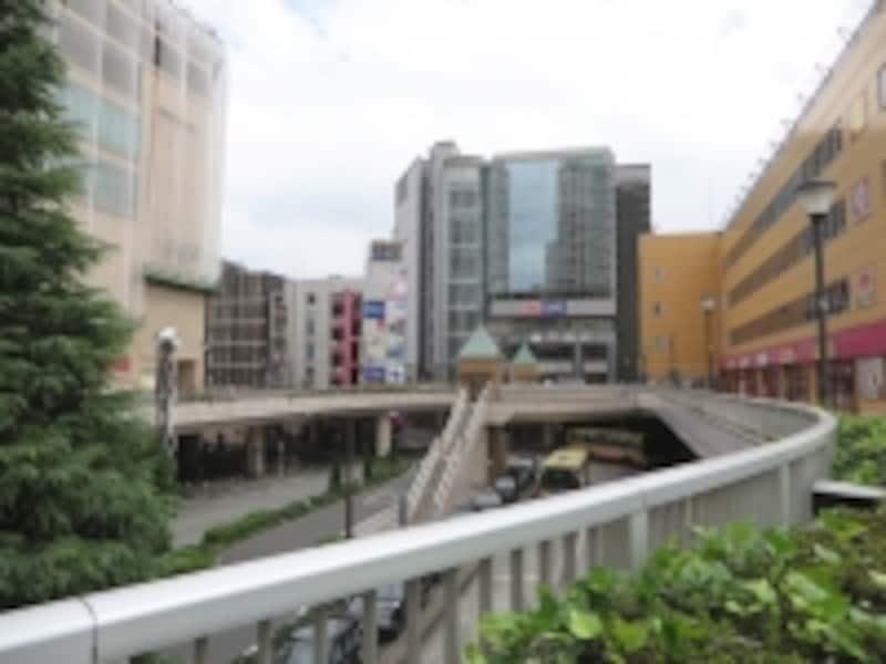 駅周辺の商業ビル