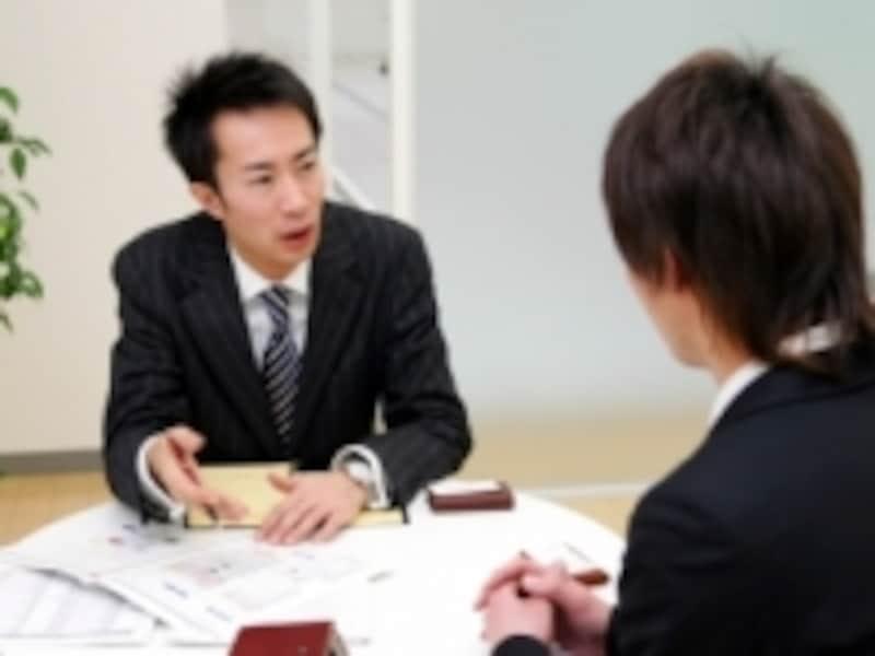 本社一括管理で事務処理の合理化・簡素化が進みます