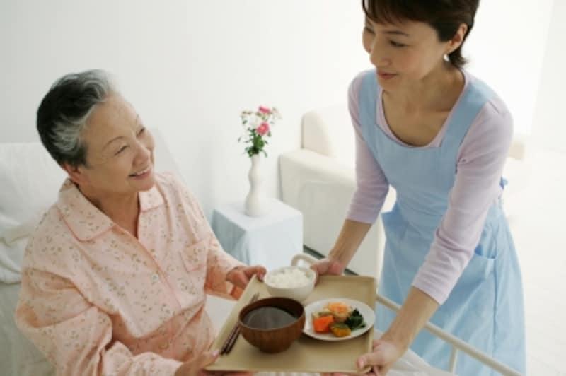 サービス付き高齢者向け住宅選びのポイントは……