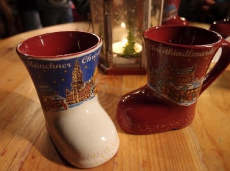 クリスマス市に欠かせないグリューワイン。カップはデポジット制だけど記念に持ち帰ってもOK
