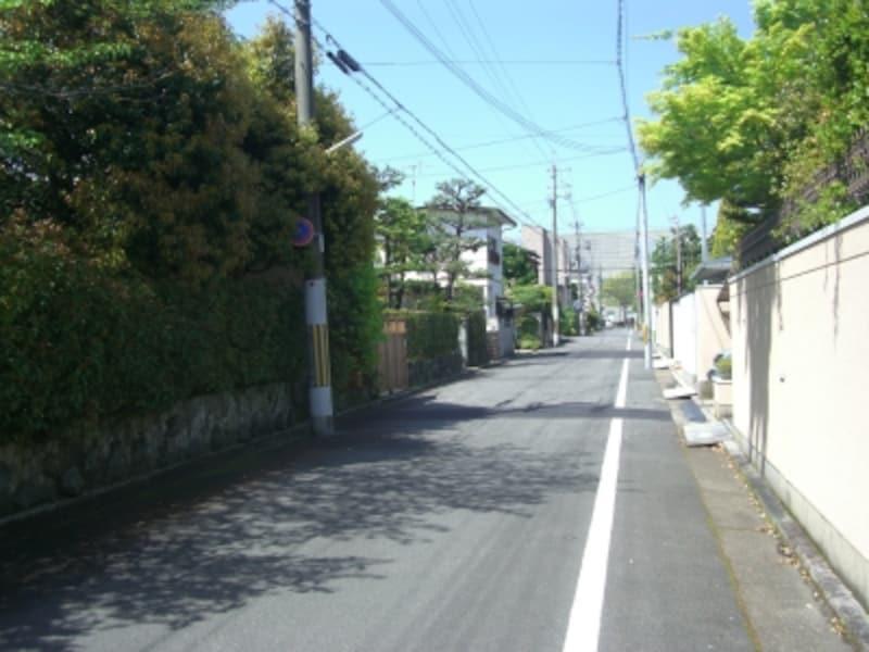 住宅地として京都府下最高額に相応しい貫録のある高級住宅街