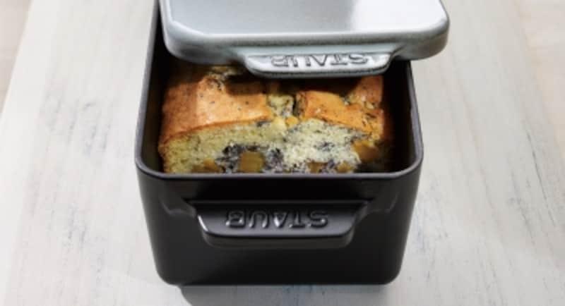 パンやケーキがふっくら、表面パリっと仕上がります。