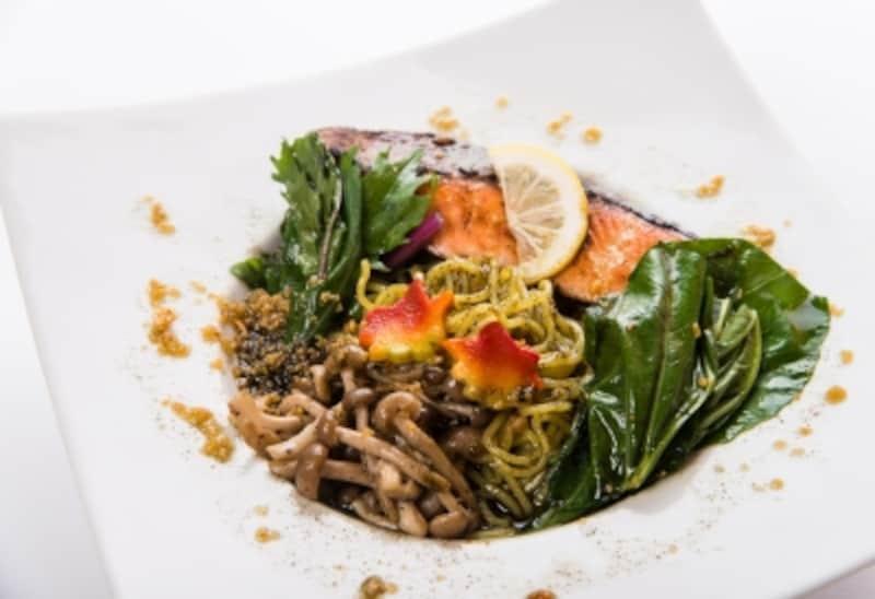 鮭とキノコのジェノベーゼあえ麺