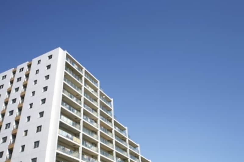 高層マンション高層階から幼児の転落が後を絶えない