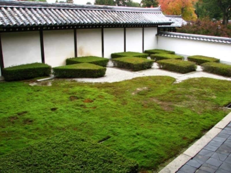 『八相の庭』のうち西側の「市松模様」の庭