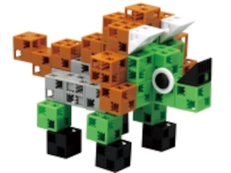 縦、横、斜め、自由に接続できる新しい構造の「アーテックブロック」