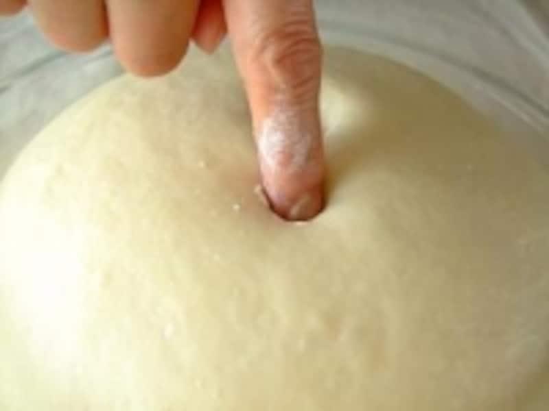 指を抜いて縮まなければ発酵完了