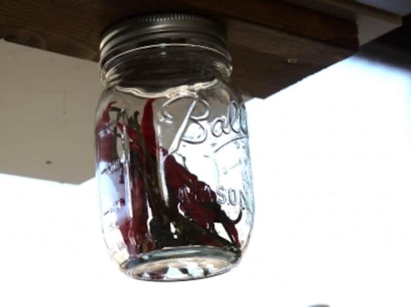 キッチンで何かと使いやすいメイソンジャー収納