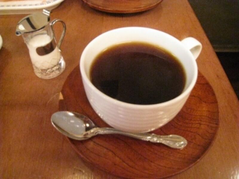ランチセットのドリンク。ブレンドコーヒーを頼みました。美味しい!