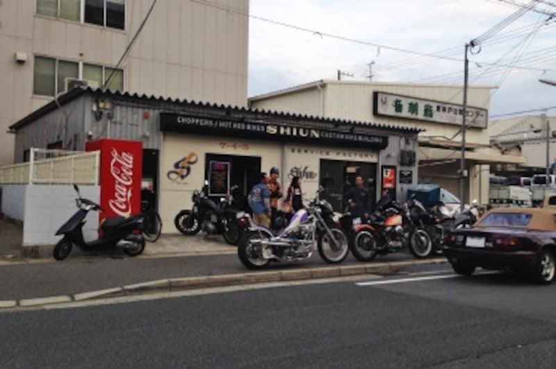 """""""バイク選びはショップ選びから""""を合い言葉に、まずは自分に合ったお店探しから始めてみてください。"""