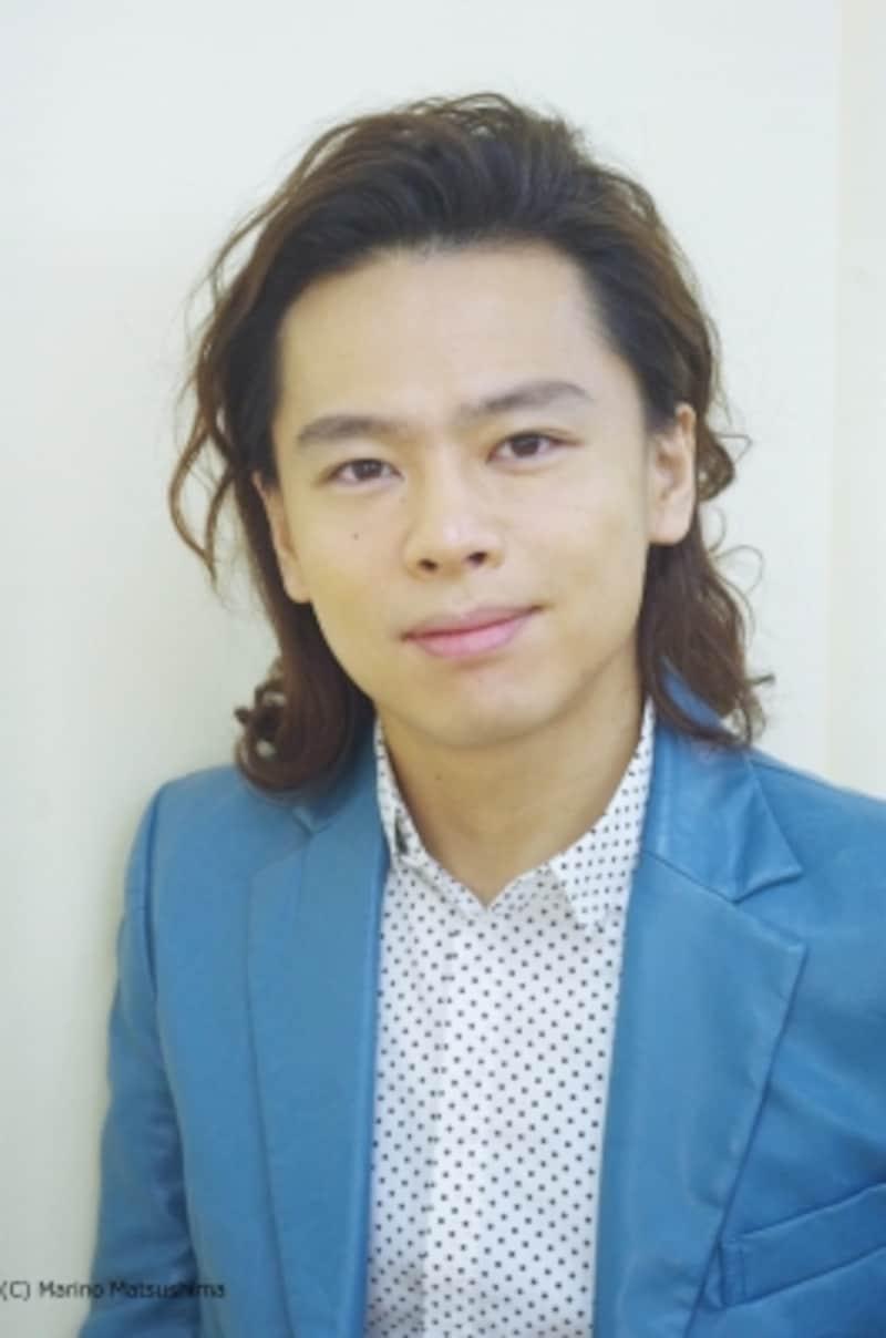 中川晃教undefined82年宮城県出身。2001年に「IWillGetYourKiss」でデビュー、多くの新人賞を受賞。2002年に『モーツァルト!』で舞台デビューし、文化庁芸術祭賞演劇部門新人賞等を受賞。以降『Tommy』『ChessInConcert』などの舞台、映像など多方面で活躍している。(C)MarinoMatsushima