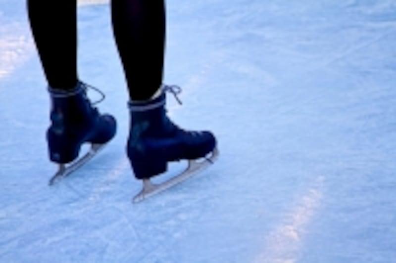 フィギュアスケートの羽生選手に脳震盪を疑わせるアクシデントがあり、ニュースとなっています