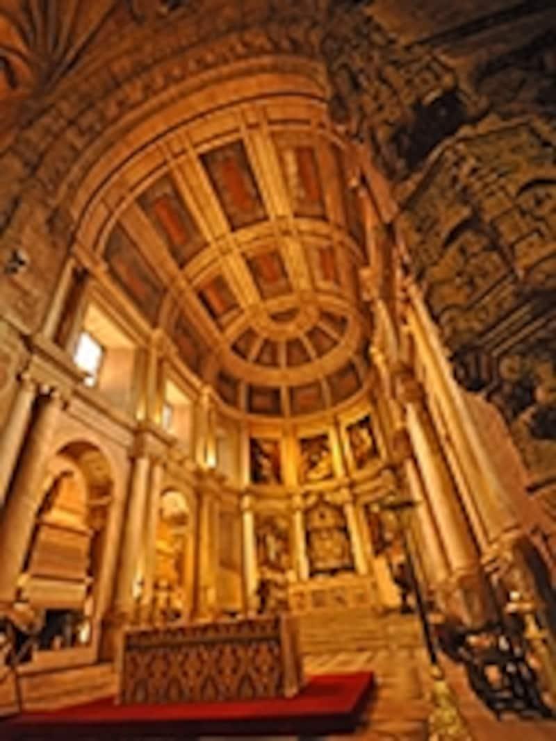 サンタ・マリア教会の祭壇