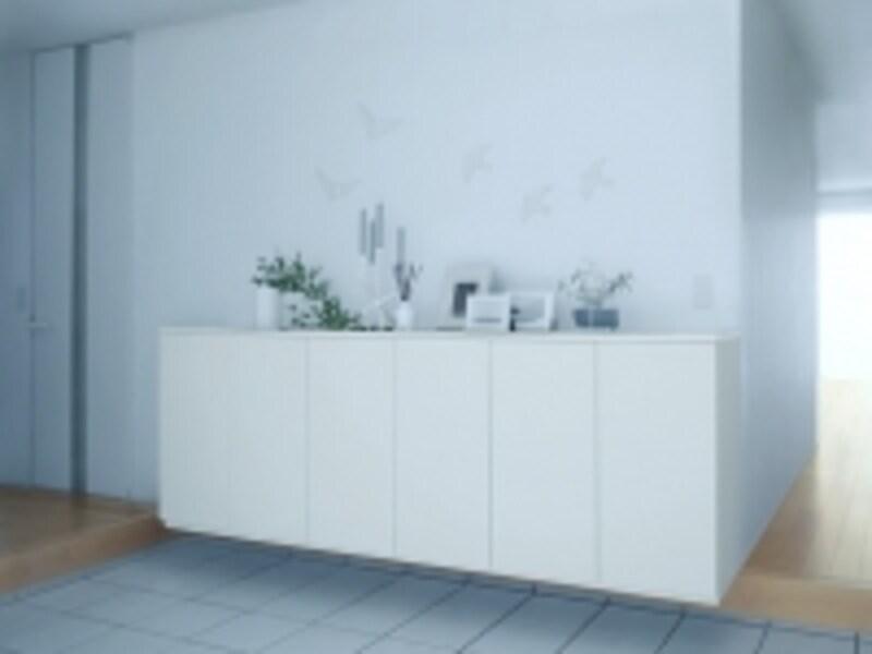 明るいホワイト色は空間に広がりを生み出す。[グランドラインラフィスundefinedW2400undefinedローカウンター型]undefinedLIXILhttp://www.lixil.co.jp/