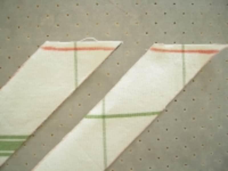 布目方向が同じになるように布を置きます