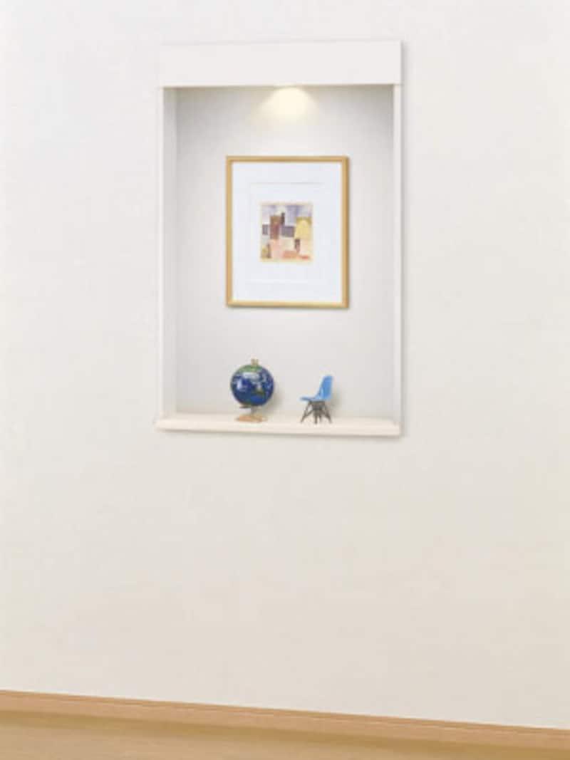 玄関の正面や廊下などにアクセントとして設けても。照明で演出効果を高めて。[壁厚収納 カベピタニッチ] DAIKENhttps://www.daiken.jp/