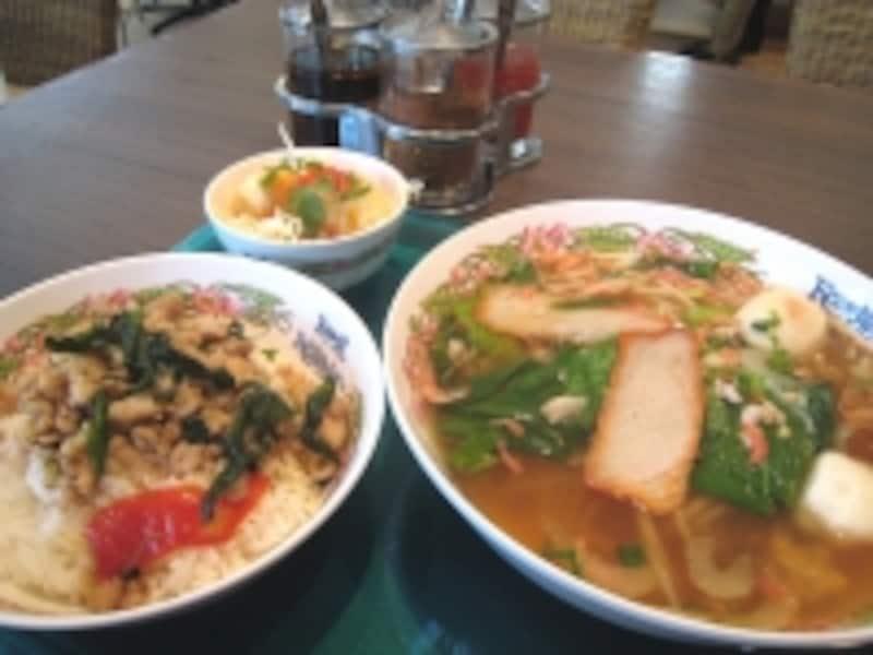 タイ料理のランチ。アジアの食であればかなりの種類が揃うので、グルメにはウレシイ街のひとつ