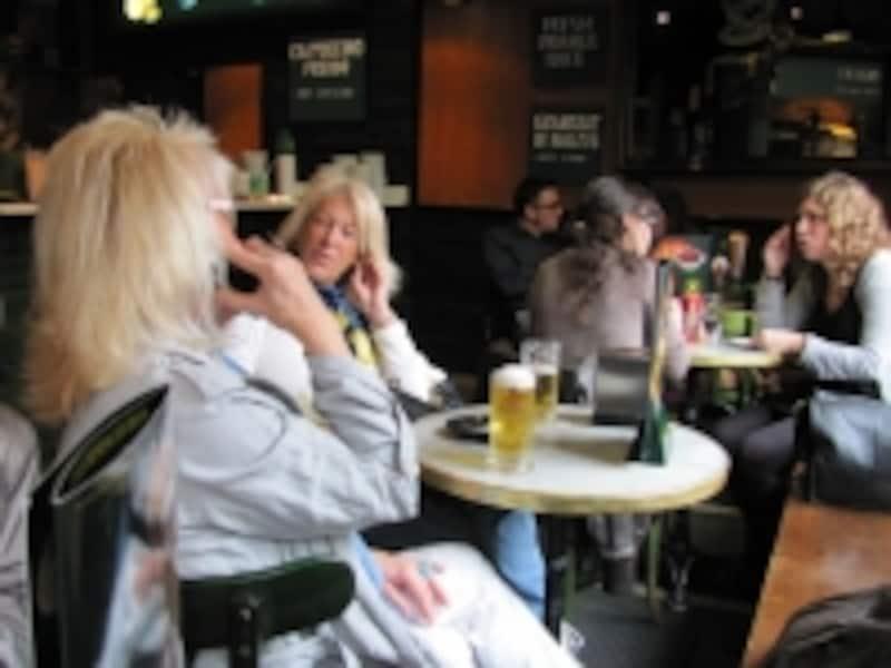 女性のアルコールの適量は、一日グラス一杯のビール程度です