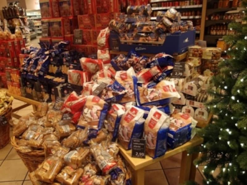 スーパーのクリスマスコーナー