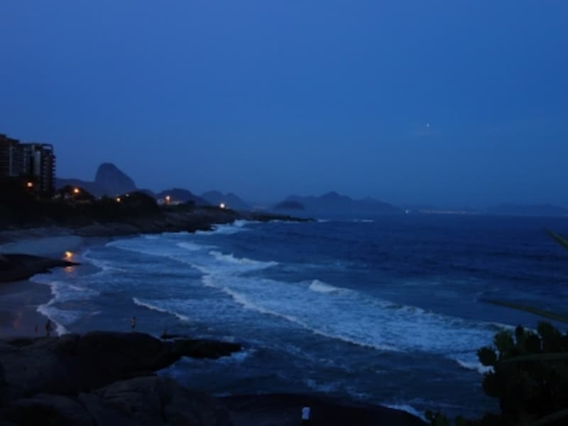 paodeacucarbluehour