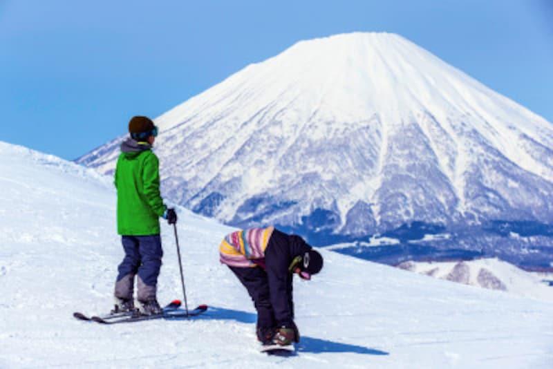冬,アウトドア,スキー,ウィンタースポーツ,富士山,山,スノーボード,スノボ,ウェア,ブーツ,スキーヤー,ボーダー,アクティビティ,アウトドア,雪,雪遊び,レクリエーション