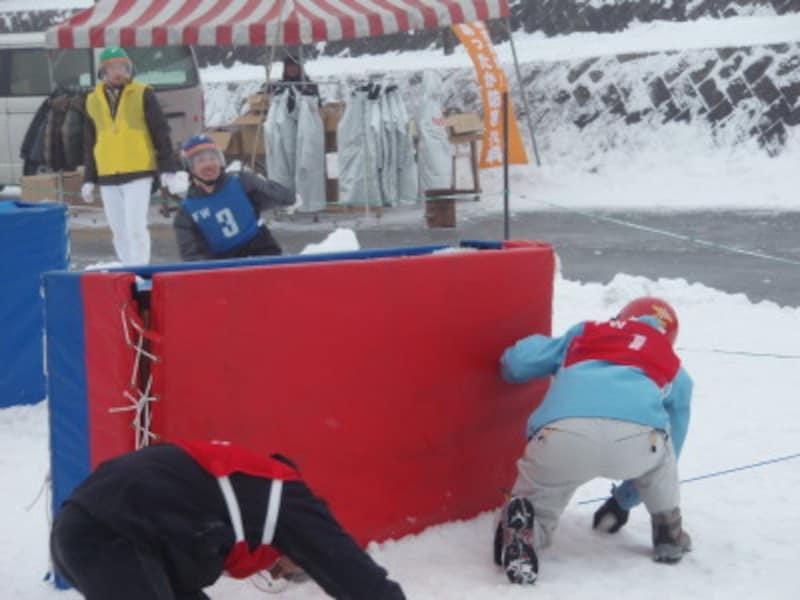 雪合戦,大会,雪,雪玉,冬,ウィンタースポーツ,子ども,雪だるま,降雪,ゼッケン