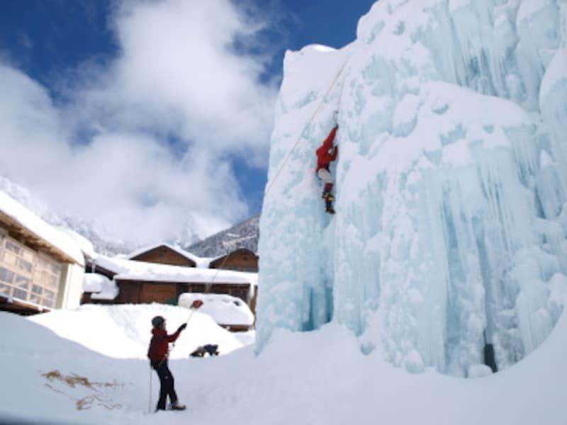 アイスクライミング,冬,クライミング,ロッククライミング,氷,防寒,バディー,ロープ,グリップ,ウィンタースポーツ