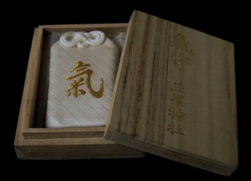 毎月、一日にのみ授与される『白』い『氣守』(写真提供:三峯神社)