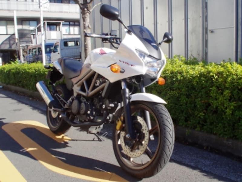 VTR250-Fフロントビュー