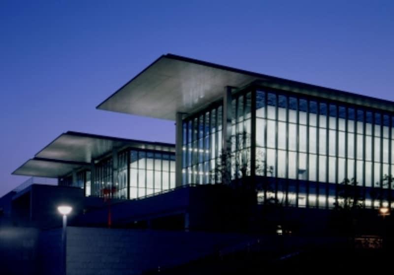 兵庫県立美術館undefined夜景