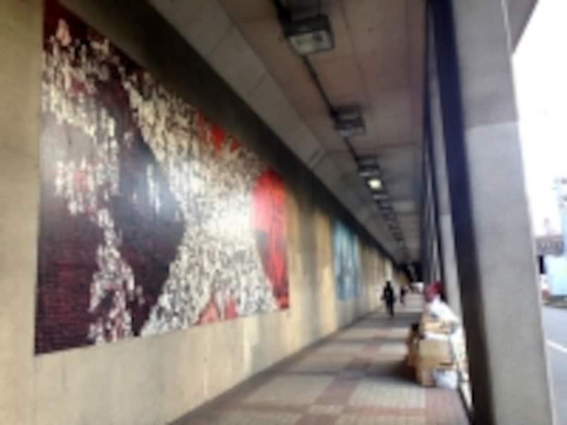 六本木トンネルの壁画(2014年12月撮影)