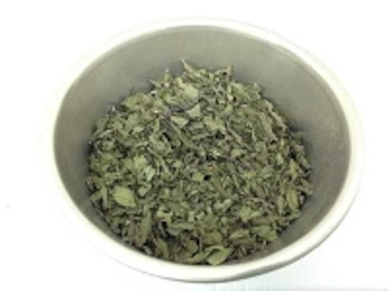 ペパーミントの葉はエッセンシャルオイルと同じくスーッとした香りが心地よい