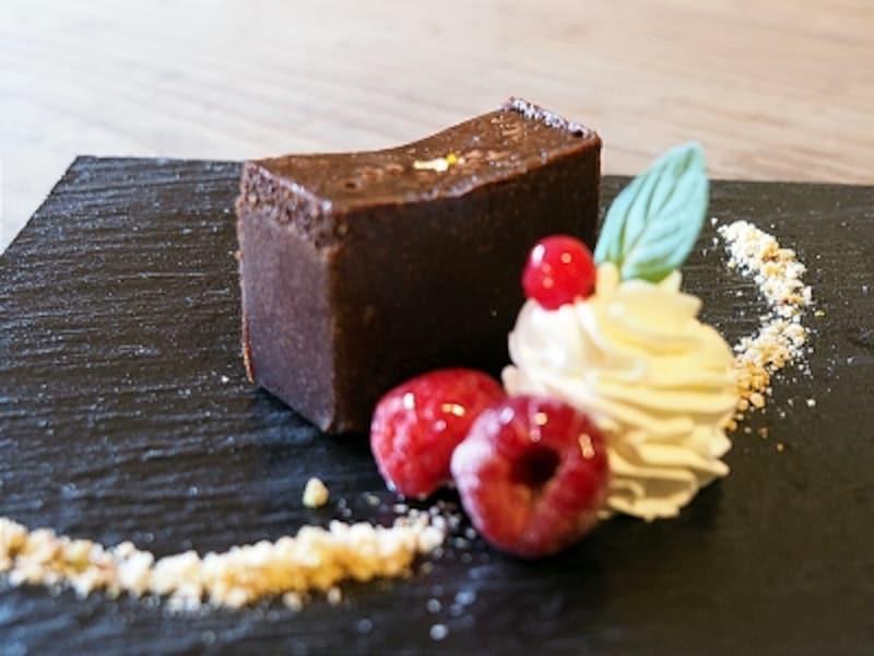 王のカカオ「ショコヌスコ」の濃厚チョコレートケーキ@カカオサンパカ