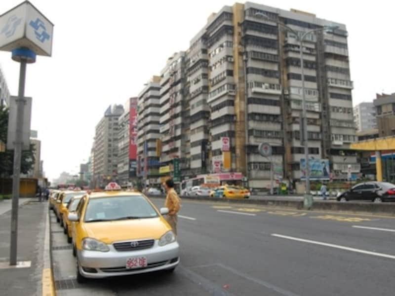 タクシーは土地勘のない旅行者の強い味方