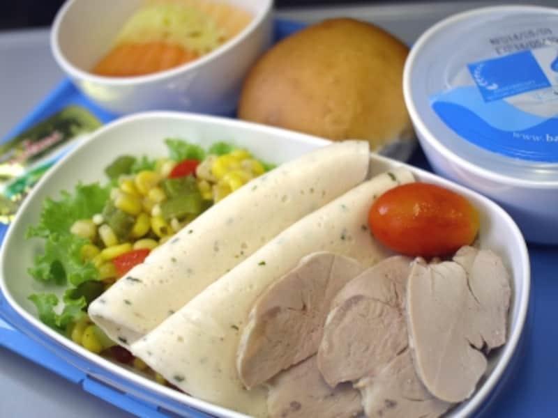 機内を快適に過ごすための飲食のポイント