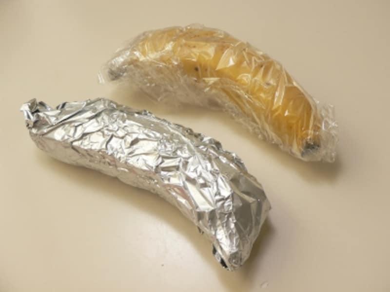 バナナの保存法:ラップやアルミホイルに包む