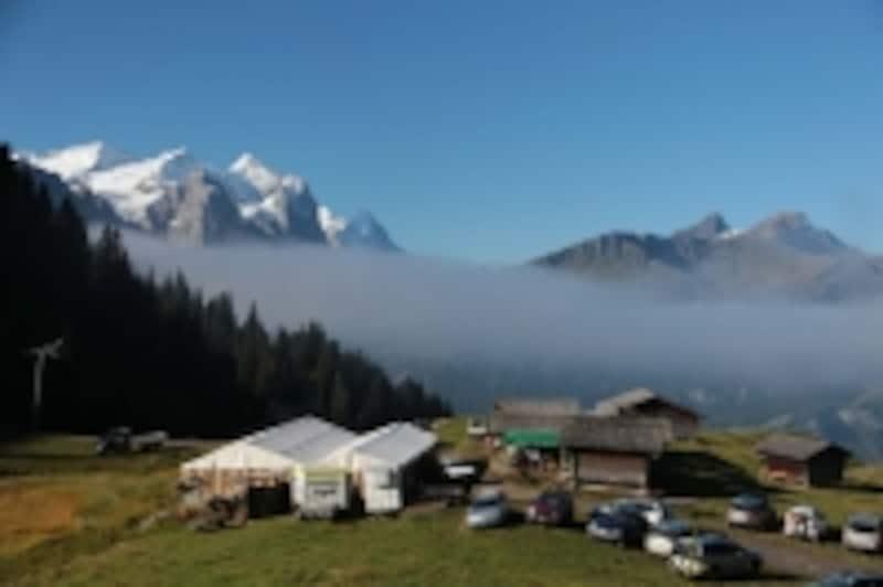 メーギスアルプの風光明媚なチーズ小屋