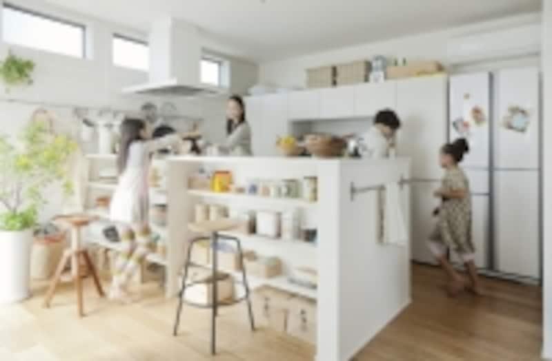 共働き夫婦は、家事を効率的にすませ、子どもと過ごす時間をゆっくりとりたいという気持ちをもっています