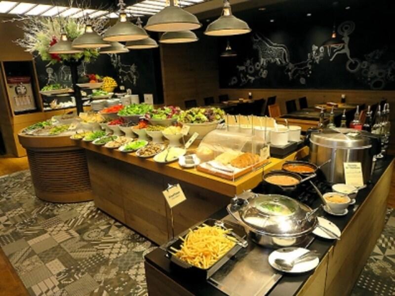 バルバッコア新宿サラダのブッフェ台