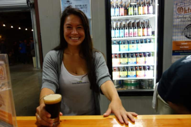 ビールは笑顔の似合うお酒です