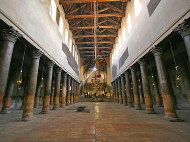 聖誕教会の身廊
