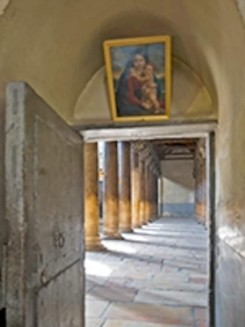聖誕教会の側廊