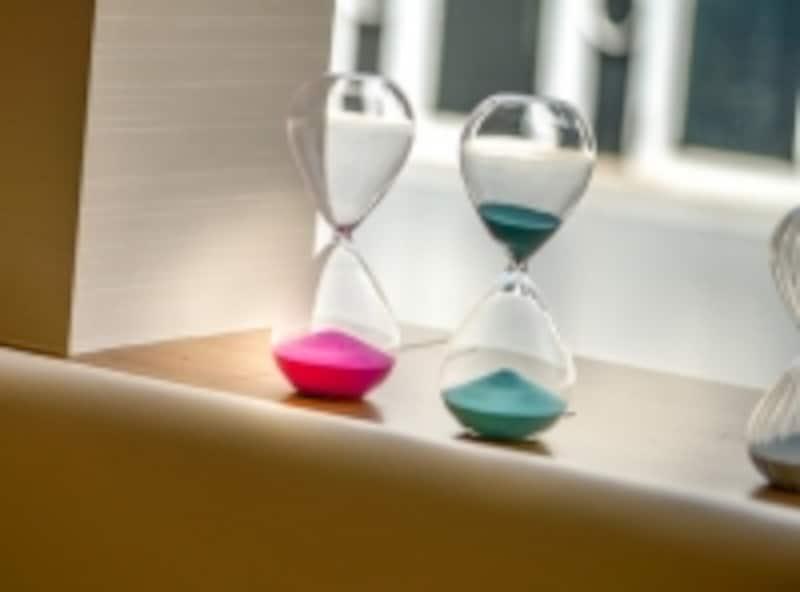 砂時計をひっくり返すことが気が流れる