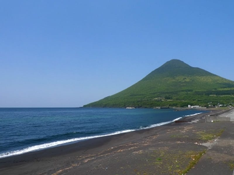 開聞岳は何処から見ても絶景だが、晴天時に海岸沿いで眺めたい