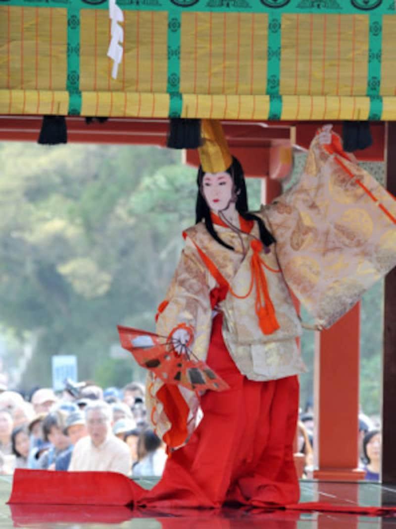 鎌倉まつりの「静の舞」(提供:鎌倉市観光協会)